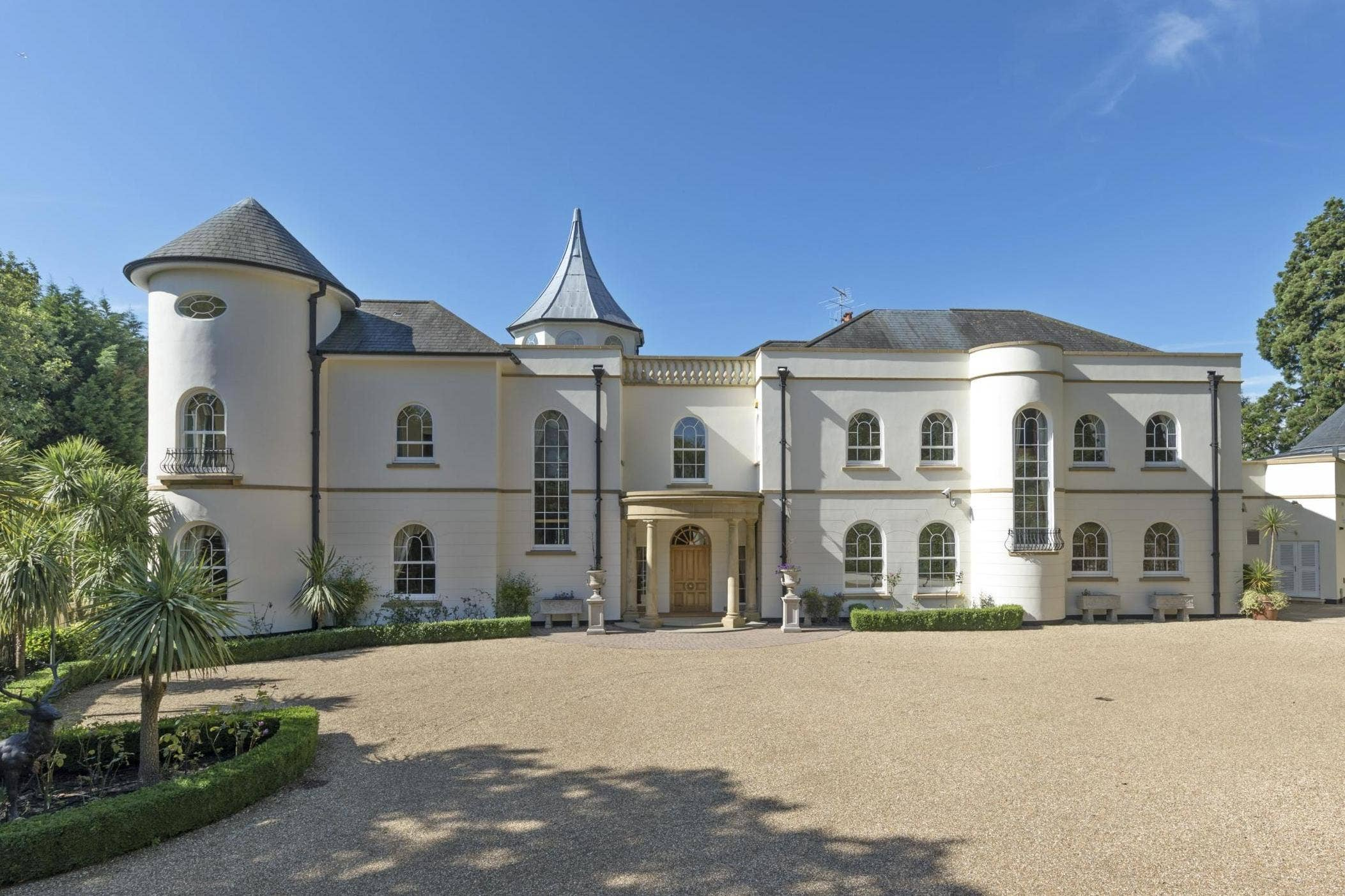 Most unusual buys of 2020:John Lennon's fairytale mansion and 6ft-wide skinny house among extraordinary London home sales this year